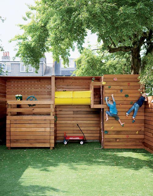 La pelouse artificielle dans les zones de jeux infantiles