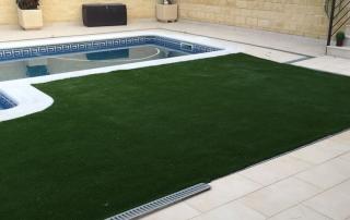 Gazon synthétique pour piscine