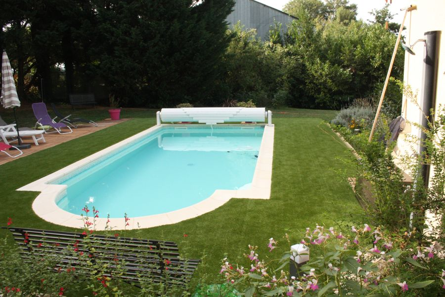 Pelouse artificielle piscine